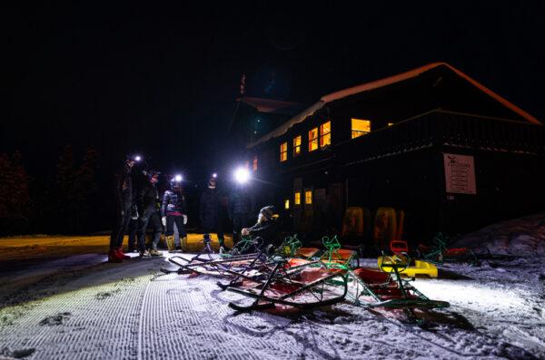 evening sledding Geilo - kveldsaking med hodelykt - heisbasert aking - kjelker med heis
