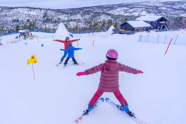 Skiskole på Dagali Fjellpark ved Geilo i Norge