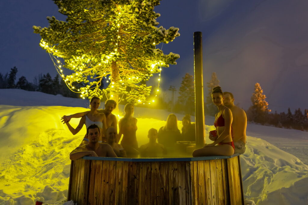 accommodation in norway hot tub