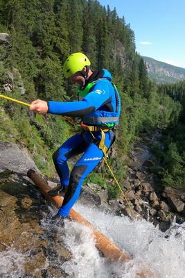 rappeling waterfalls Norway